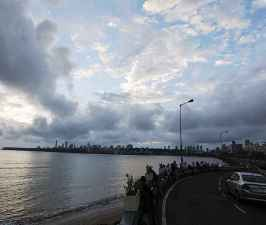 IMD predicts heavy to very heavy rainfall in Mumbai, Maharashtra.jpg