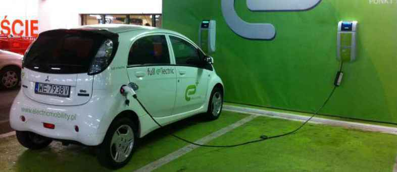 Panasonic to set up 1 lakh charging stations for e-vehicles.jpg