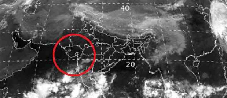 Cyclone Nisarg to Probability heavy rainfall, Gujarat migrating 64000 people.jpg