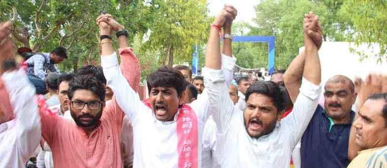 ગુજરાતના રાજકારણની યુવા ત્રિપુટી હાર્દિક, જીજ્ઞેશ અને અલ્પેશ કેટલા પાણીમાં.jpg