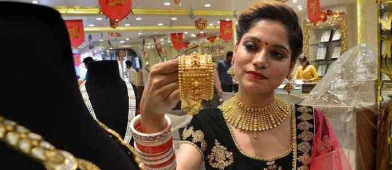 Gold hit new record high, soar ₹2,000 per 10 gram in new year so far.jpg