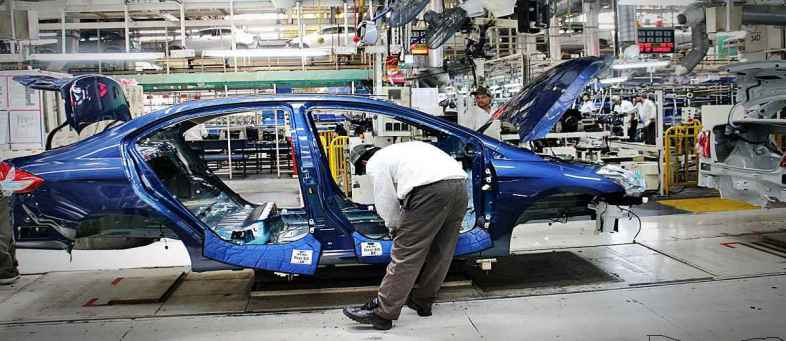Maruti Suzuki reports over two-fold decline production in September due to Semiconductor shortage.jpg