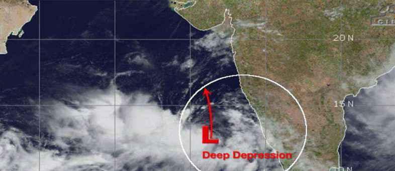 Hurricane will hit saurashtra cost on evening of june12 1 Number on Ports, Fishermen warns.jpg