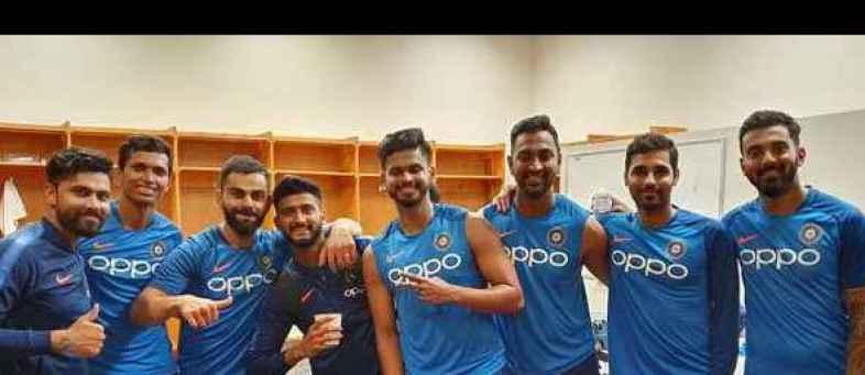 -Kohli-squad-pic-Twitter.jpg
