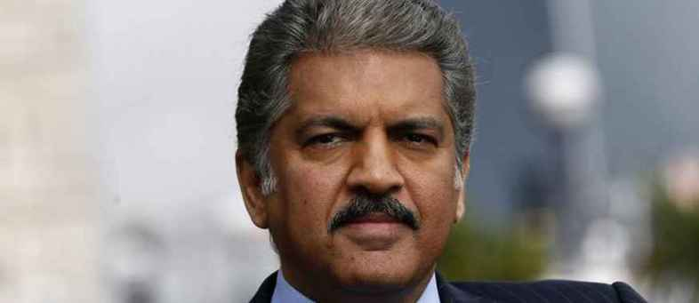 Anand Mahindra offers an internship to Dwarkesh, who doing waiter jobs.jpg