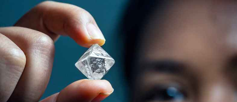 Shining down of diamond industry due to COVID-19, Sales fell 94% in June quarter.jpg