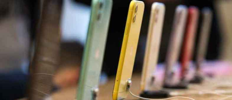 India's Smartphone Shipments fell 13% sequentially in Q2 amid Covid-19 Second wave Canalys.jps.jpg