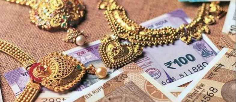 Expensive gold bring good day for small traders as growth in gold loan.jpg