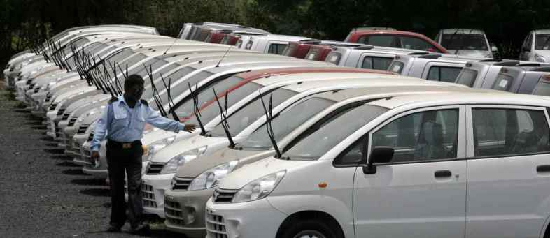 Passenger vehicle sales down two percent in 2020-21said Siam.jpg