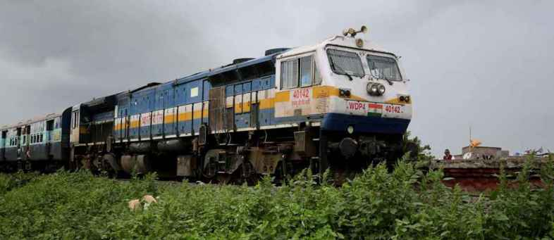 Private operators to run 150 trains of Indian Railways.jpg