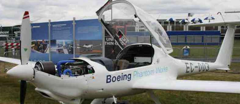 The world's first hydrogen-fueled passenger plane will take off, reducing air pollution..jpeg