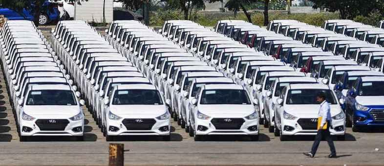 Passenger vehicles sales growing 24%, Two vehicle increase 12%  in December FADA.jpg