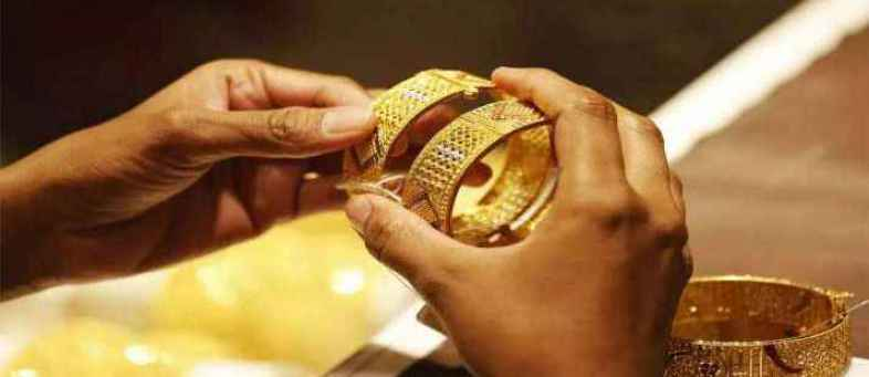 Gold stedy in Indian market, Silver rising.jpg