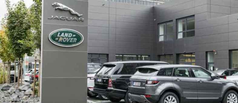Jaguar Land Rover  global retail sales fall 3.4% in November.jpg
