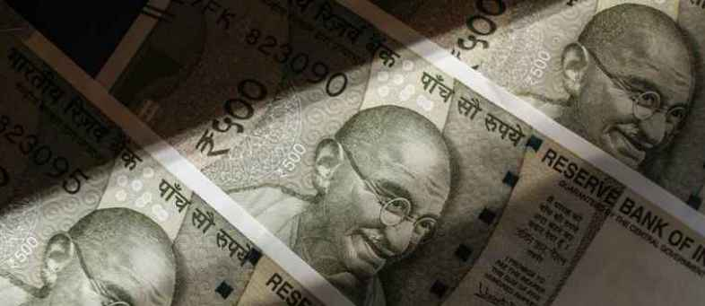 Crude and Corona Fear Drag Rupee Lower Rupee Dips 36 Paisa This Week.jpg