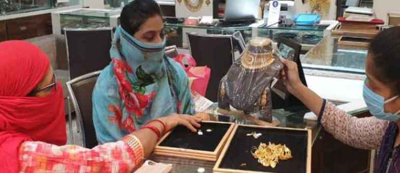 Loss credit in Corona, Traders stop selling of Gold Jewellery against credit to jewellers.jpg
