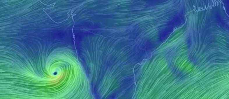 Cyclone Vayu Likely To Hit Gujarat Tomorrow, Schools Closed.jpg