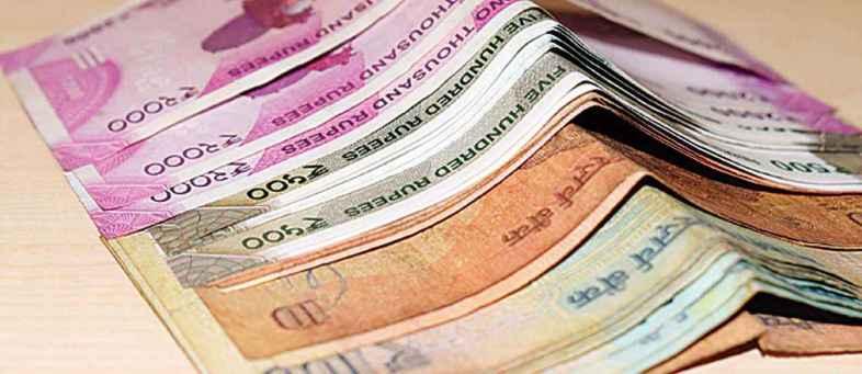 Dollar Dips On Third Consecutive Day; Rupee Strengthen.jpg