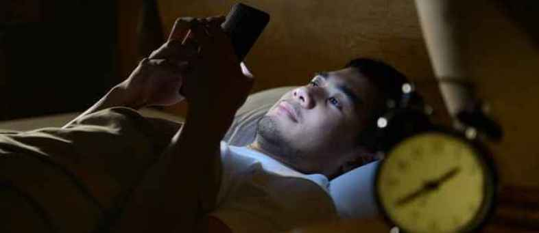 Mobile phones linked to anxiety and severe depression.jpg