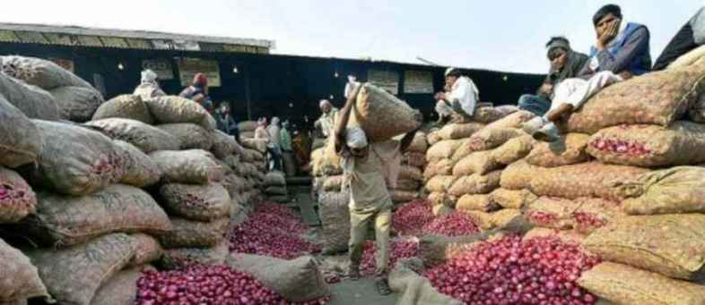 Onion retailes cannot store more than 25 tonnes in two ton-bulk.jpg