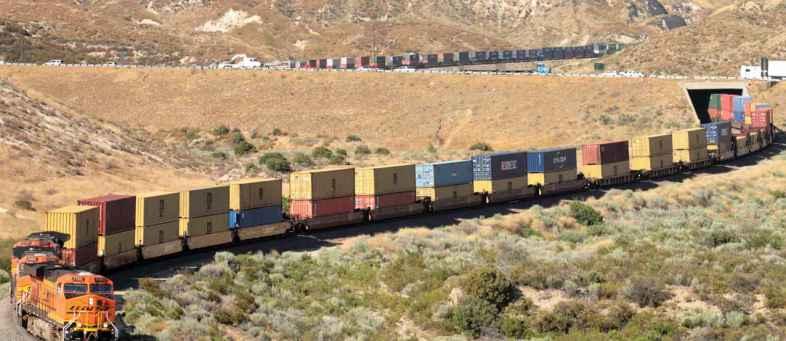 Earnings from rail freight rose 11 percent in October.jpg