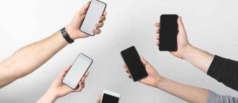 Smartphone sales up 82% at 33 million units in June quarter.jpg