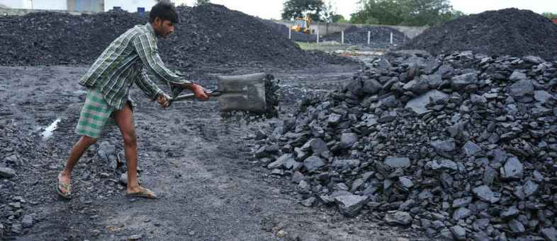 Coal India Q4 profit up over 4-fold to Rs.6024cr as expenditure falls 22%.jpg