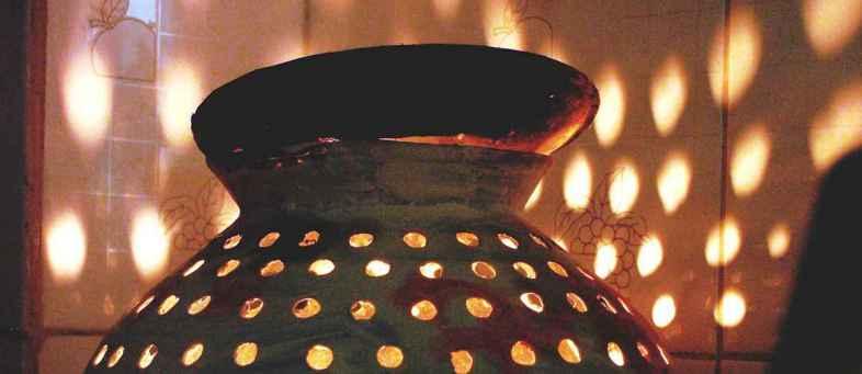Navratri know auspicious moments & worship rituals to worship Goddess.jpg
