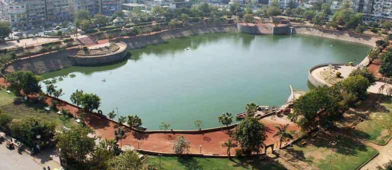Ahmedabad links 14 ponds to save water.jpg