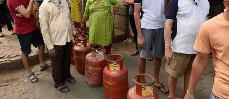 Now, LPG Customers Can Book BPCL Cooking Gas Cylinder On Whatsapp Number (1).jpg