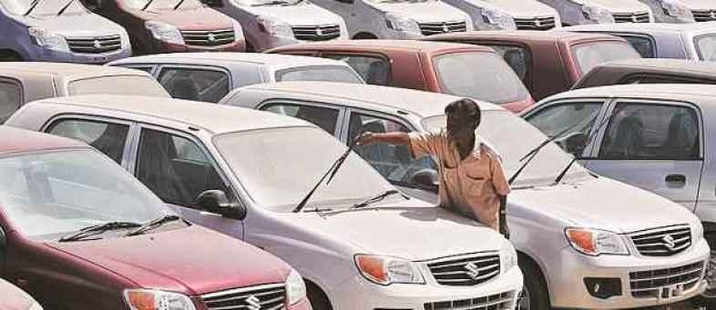 unsold in India's worst auto slump.jpg